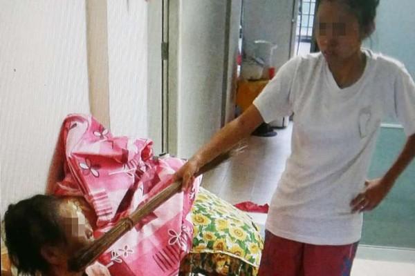 Singapore: Con gái thường xuyên hành hạ mẹ già gây rúng động 4