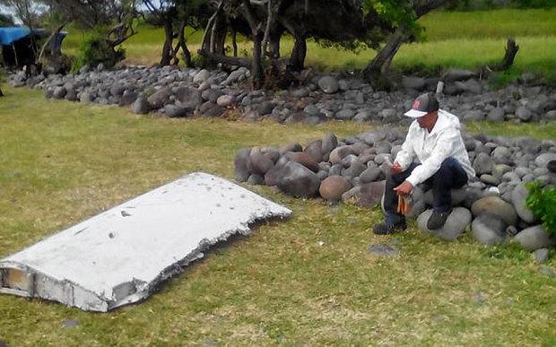 """Vụ MH370: Mảnh vỡ mới tìm thấy """"gần như chắc chắn"""" của máy bay Boeing 777 1"""