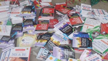 Phát hiện hơn 1.600 cuốn sách lậu tại nhà sách Nam Liên 1