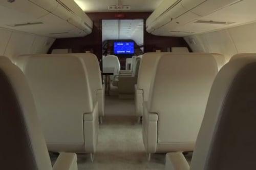 Nội thất xa hoa trong siêu máy bay của ứng cử viên tổng thống Mỹ 3