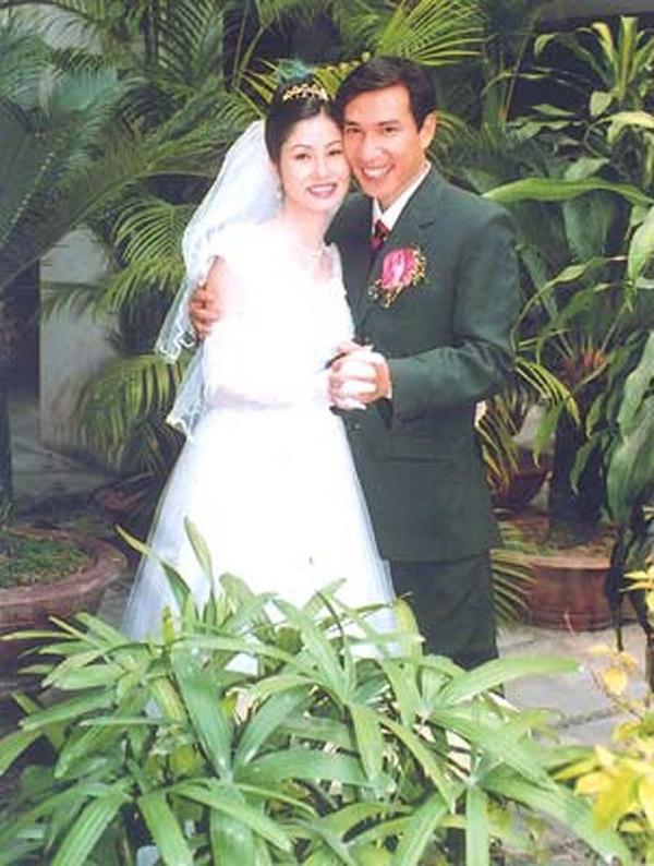 Hình ảnh hạnh phúc ít biết của Quang Thắng bên vợ con 1