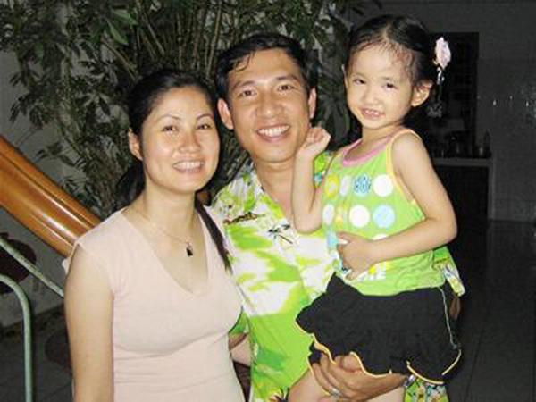 Hình ảnh hạnh phúc ít biết của Quang Thắng bên vợ con 4