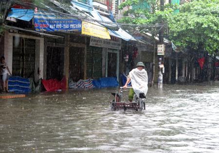 Hà Nội - Nam Định - Thái Bình ngập nước vì mưa lớn 1