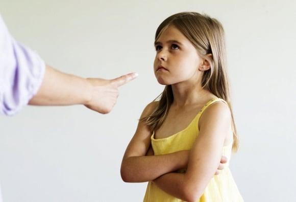 Những câu cha mẹ tuyệt đối không nên nói với con 2