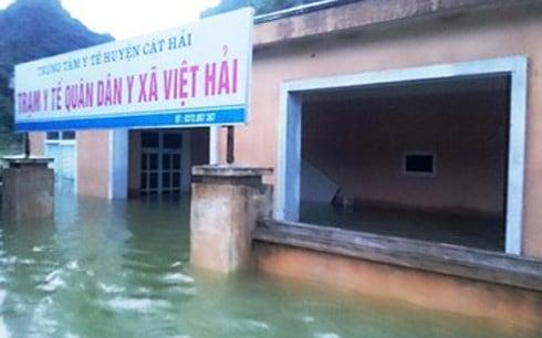 Xã đảo ở Hải Phòng thành biển hồ, 30 nhà dân ngập trong nước 1