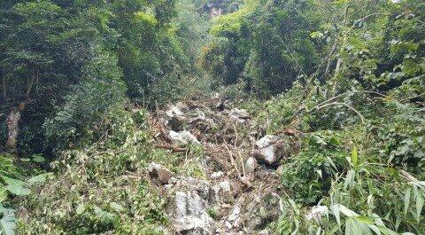 Mưa lũ ở Lạng Sơn: Tảng đá nặng 20 tấn rơi vào nhà dân 2