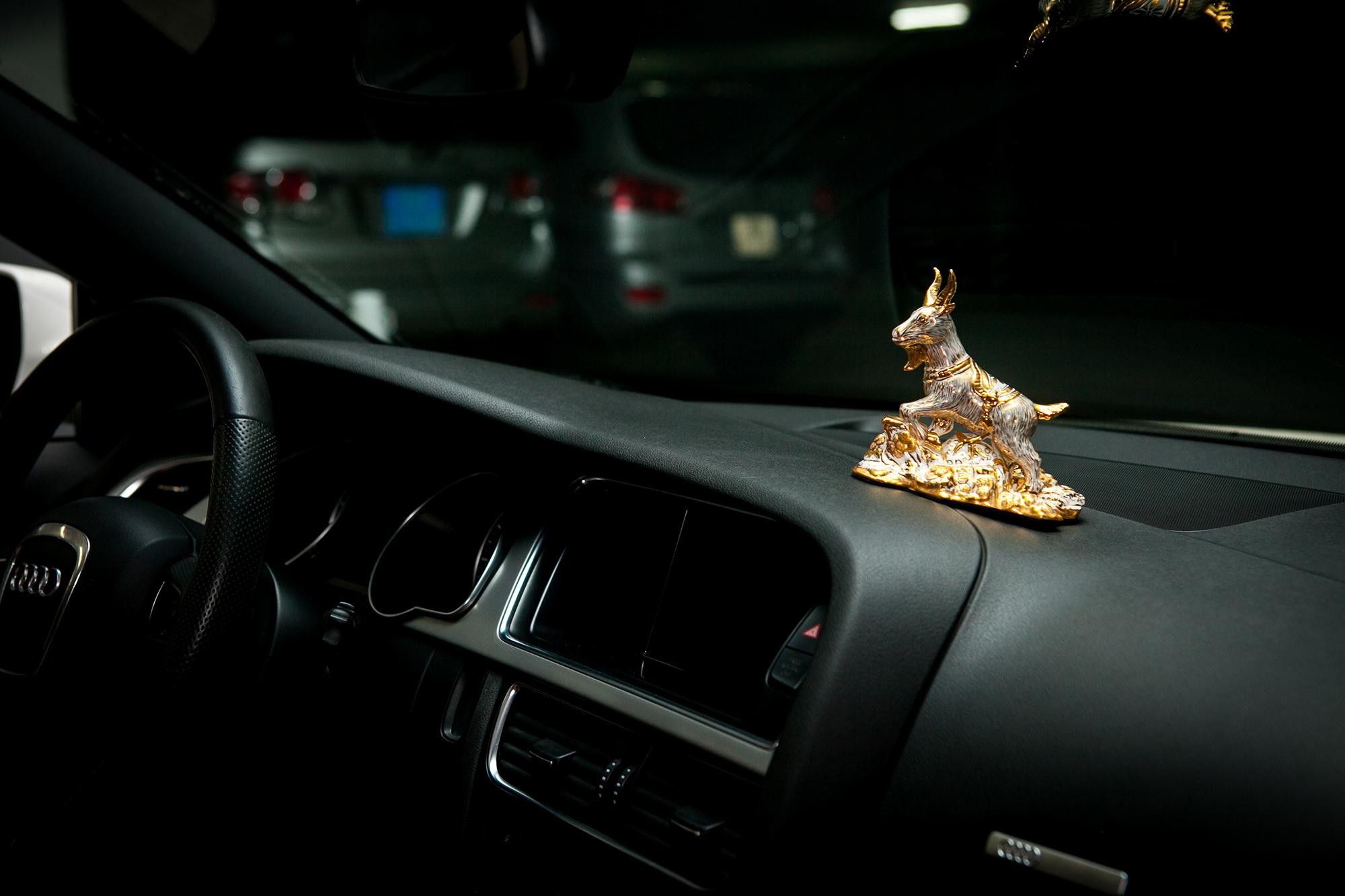 Hình ảnh Quý linh xe hơi – 12 con giáp: Bình an & may mắn số 8