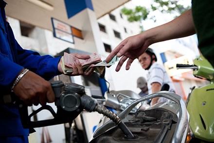 Giá xăng giảm sâu từ 15h chiều nay 1