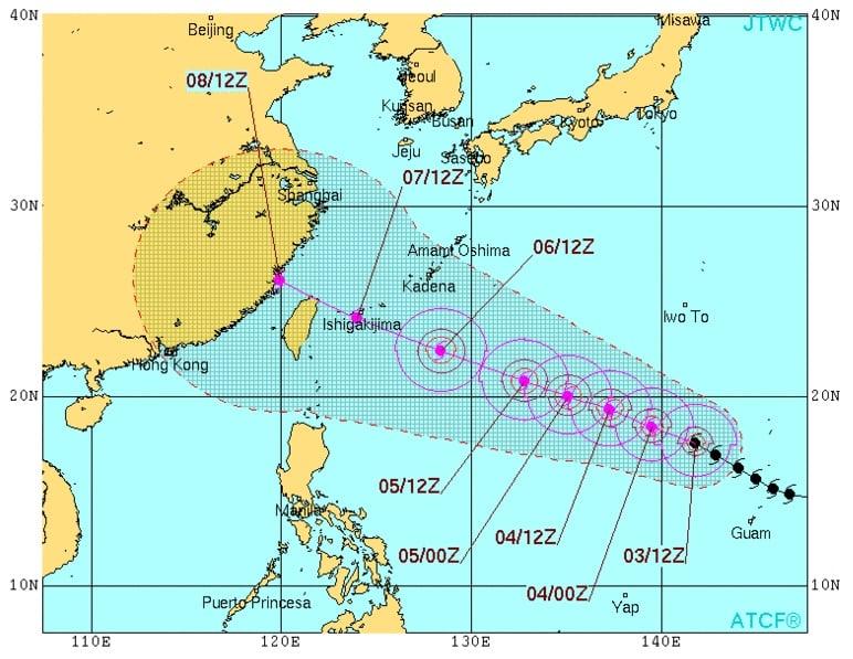 Video: Siêu bão mạnh nhất 2015 Soudelor tàn phá đảo Saipan 4