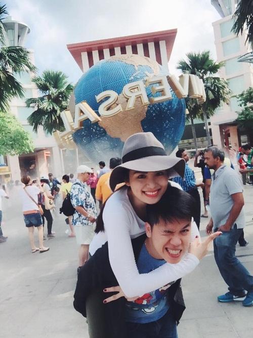 Facebook sao Việt: Bằng Kiều rạng rỡ cùng hai con trai 13