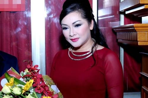 Ca sĩ Như Quỳnh bất ngờ về nước sau 20 năm xa quê 2