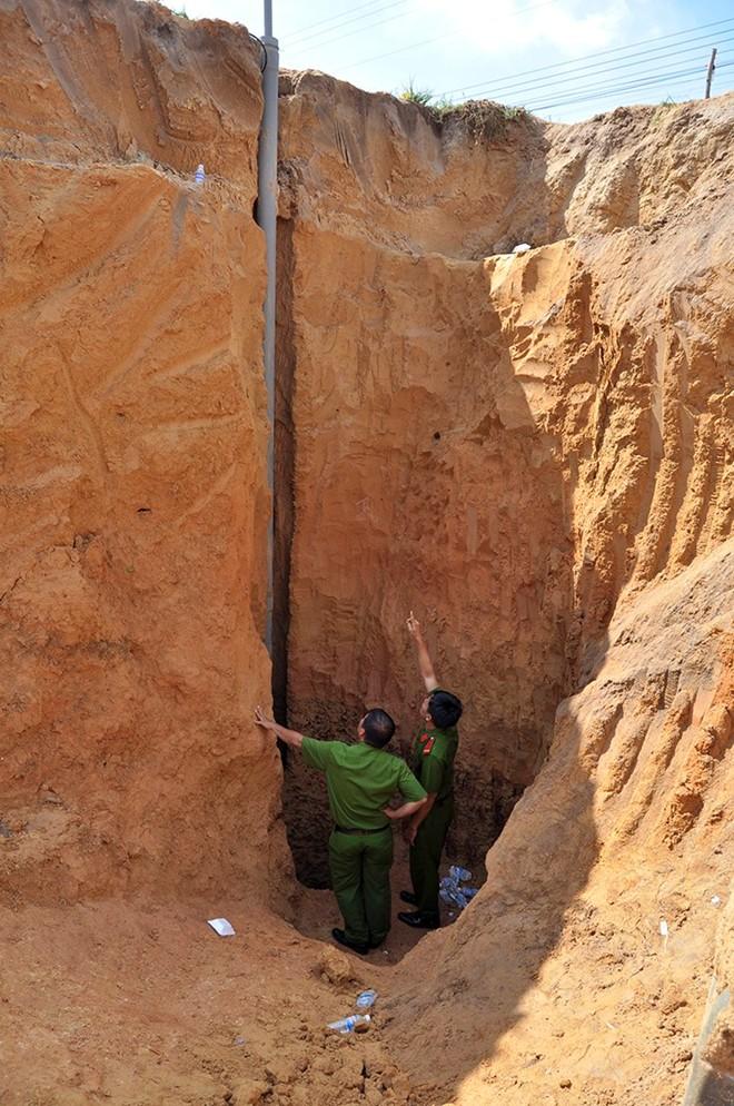 Bé gái 7 tuổi rơi xuống giếng khoan được giải cứu như thế nào? 1