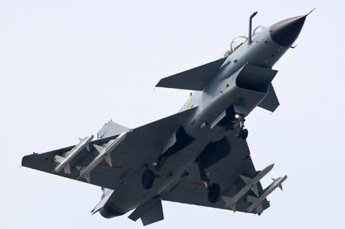 Iran mua hàng trăm máy bay chiến đấu sau khi được bỏ lệnh trừng phạt 1
