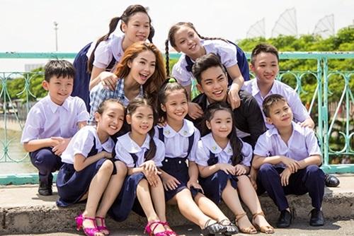 Minh Hằng - Phan Hiển cùng trò cưng làm MV mới xúc động 1