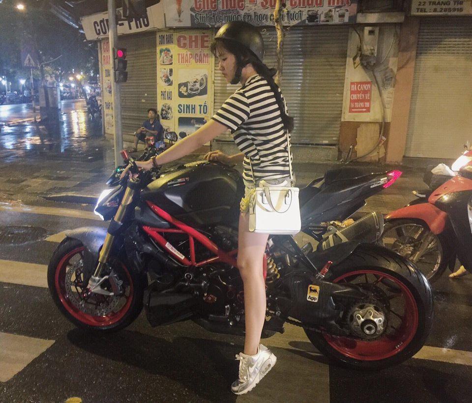Nhan sắc hot girl đi mô tô phân phối lớn trên phố Hà Nội gây sốt cộng đồng mạng 6