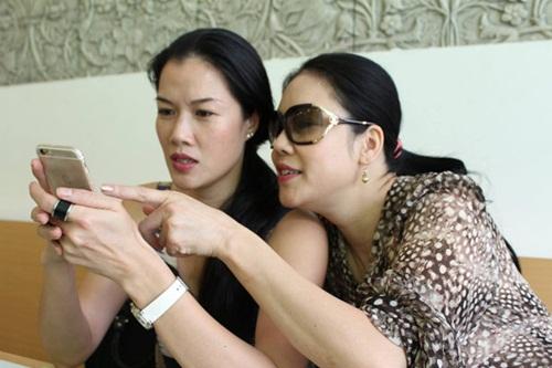 Facebook sao Việt: Hương Tràm hé lộ hình ảnh trong MV mới 9
