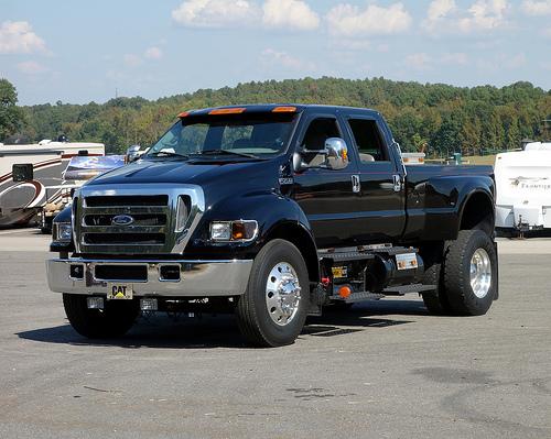 Độ xe bán tải Ford F750 thành ngôi nhà di động trị giá 6 triệu USD 2