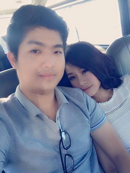 Facebook sao Việt: Hương Tràm lo