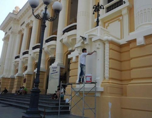 Bị dư luận phản đối, Nhà hát lớn Hà Nội trở về màu sơn cũ 6