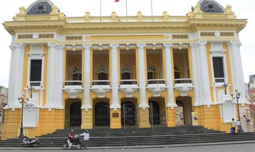 Bị dư luận phản đối, Nhà hát lớn Hà Nội trở về màu sơn cũ 9