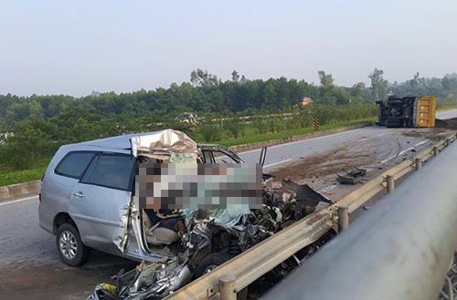 Tai nạn thảm khốc trên cao tốc Hà Nội - Thái Nguyên, 3 người chết 1