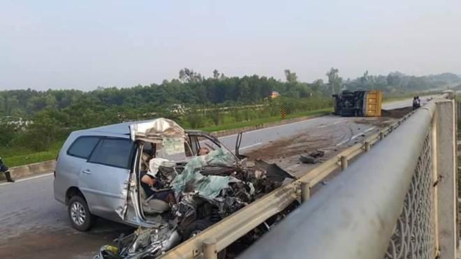 Tai nạn thảm khốc trên cao tốc, 3 người chết: Lái xe không làm chủ tốc độ 1