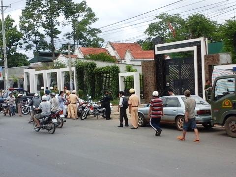 """Thảm án 6 người ở Bình Phước: """"Bí mật"""" thực nghiệm hiện trường? 1"""