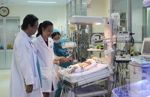 Thông tin mới nhất vụ bé sơ sinh bị đâm vào đầu 2