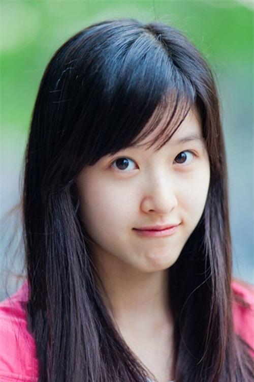 Cô bé trà sữa Trung Quốc đã kết hôn và dính nghi án mang bầu với đại gia U40  1