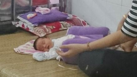 Bé sơ sinh bị bỏ rơi giữa đêm cùng bức thư 'nhờ nuôi hộ' 1