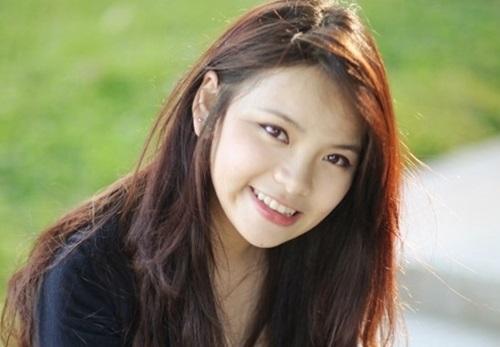 Cận cảnh nhan sắc cô em gái ruột xinh đẹp của MC Đan Lê 4