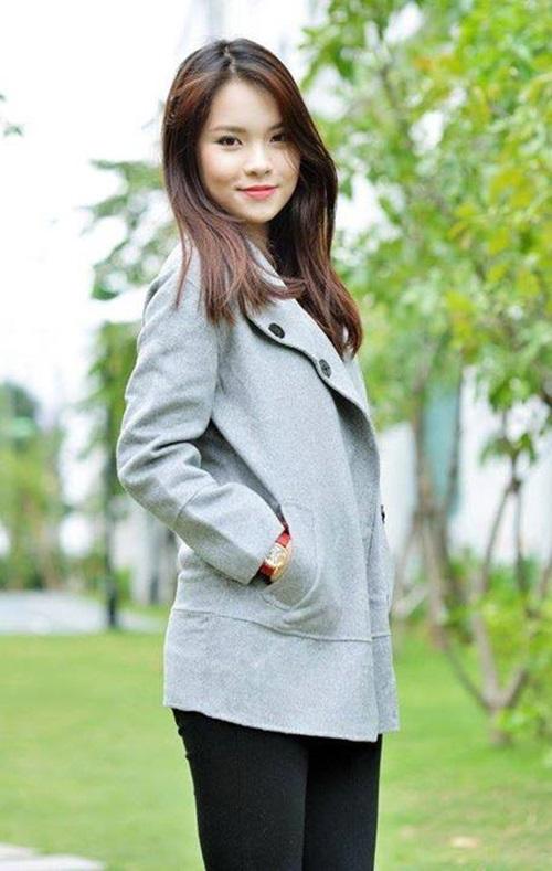 Cận cảnh nhan sắc cô em gái ruột xinh đẹp của MC Đan Lê 7