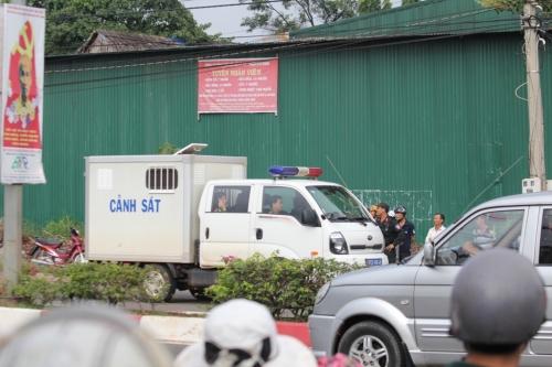 Cận cảnh thực nghiệm hiện trường vụ thảm án 6 người ở Bình Phước 5