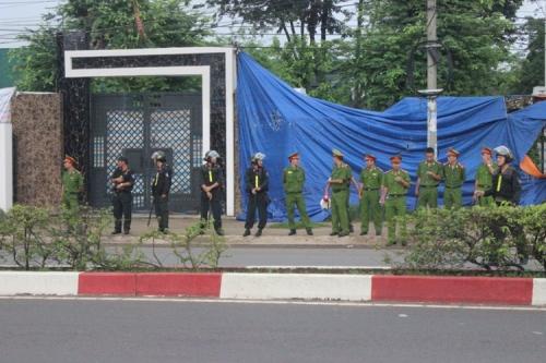 Cận cảnh thực nghiệm hiện trường vụ thảm án 6 người ở Bình Phước 6