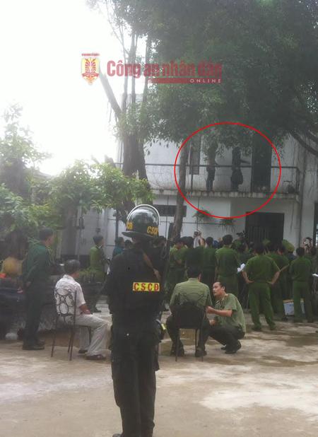 Cận cảnh thực nghiệm hiện trường vụ thảm án 6 người ở Bình Phước 2