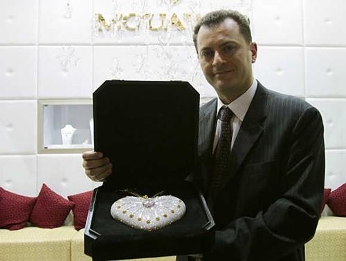 Top 10 tỷ phú giàu nhất thế giới ngành kim cương 10