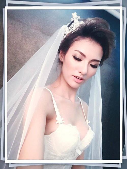 Facebook sao Việt: Thu Phương với vẻ đẹp không tuổi, Minh Hà xinh đẹp như công chúa 3