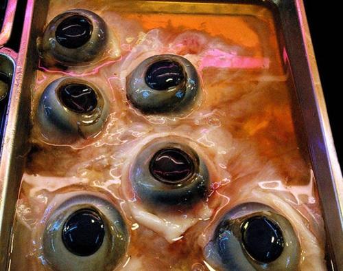 Hình ảnh Pho mát giòi, súp dơi khiến người ăn đau tim số 3