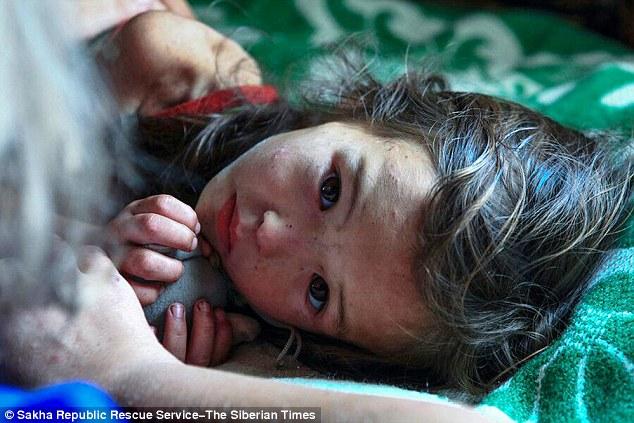 Sự phục hồi kỳ diệu của cô bé 4 tuổi ở 12 đêm trong rừng già Siberia 3