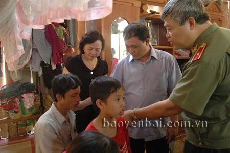 Thảm sát 4 người ở Yên Bái: Nghi phạm là em họ 9
