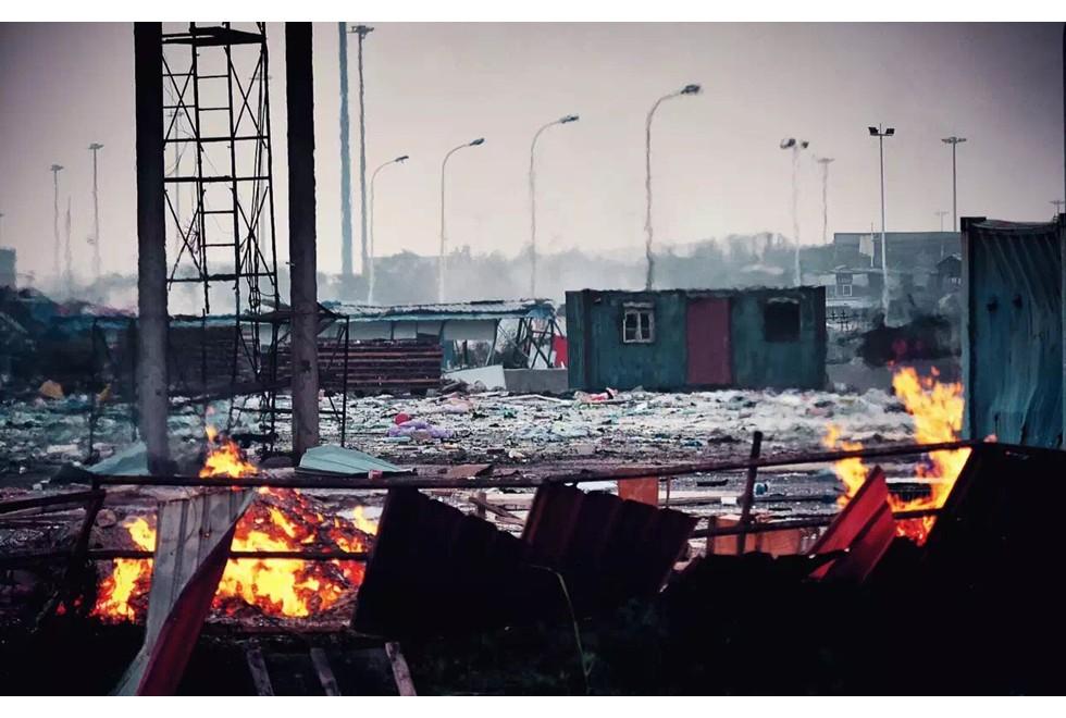 Hiện trường như ngày tận thế sau vụ nổ kinh hoàng tại Trung Quốc 16