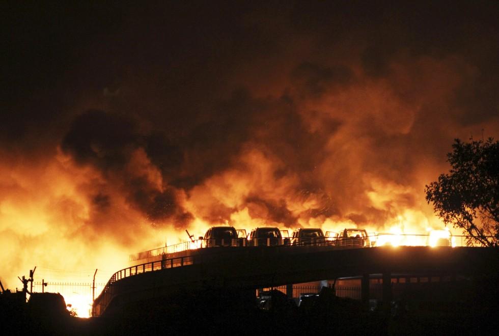 Hiện trường như ngày tận thế sau vụ nổ kinh hoàng tại Trung Quốc 2