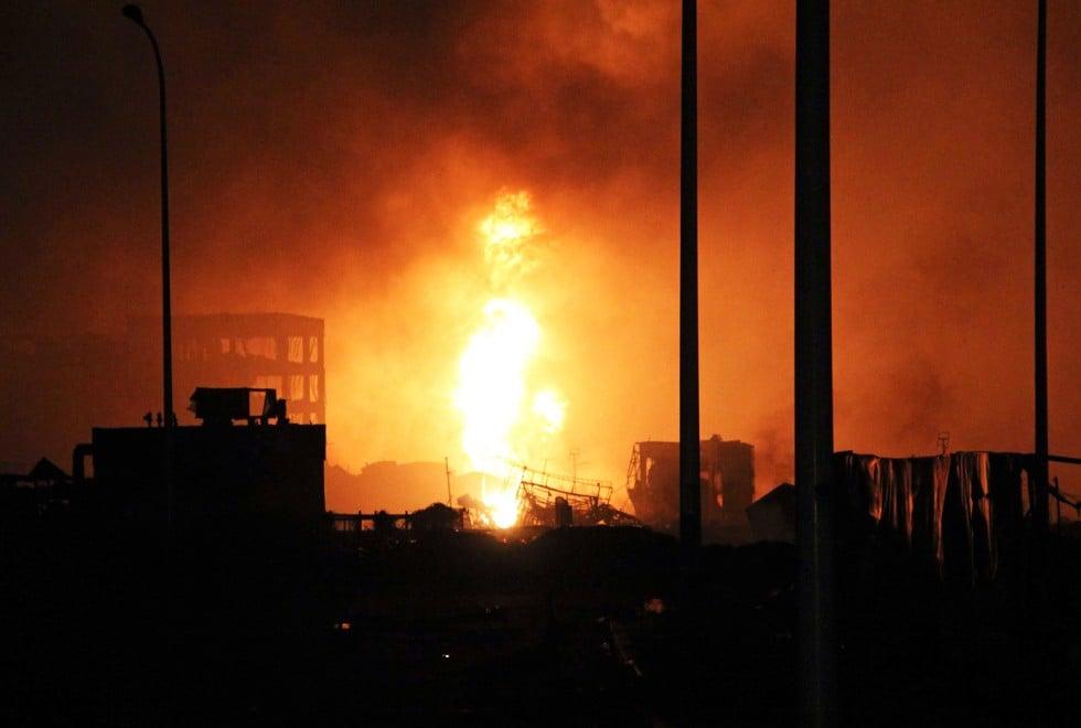 Hiện trường như ngày tận thế sau vụ nổ kinh hoàng tại Trung Quốc 4