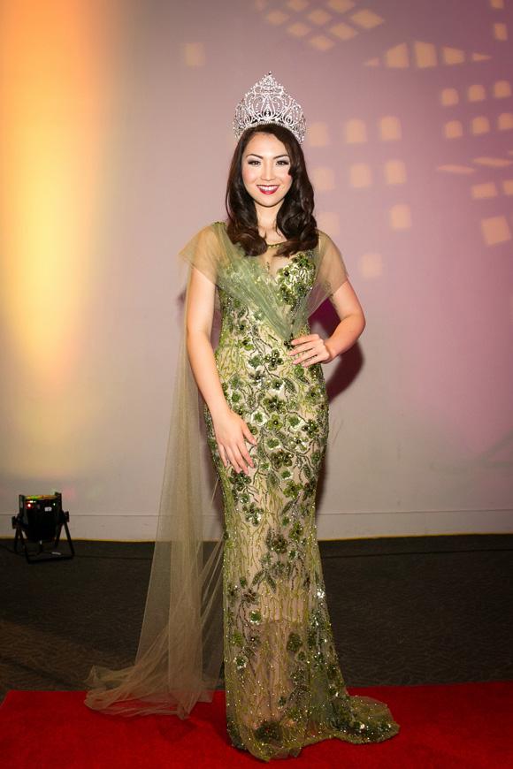 Hình ảnh Hoa hậu Jennifer Chung khoe vẻ đẹp lộng lẫy với váy dạ hội số 1