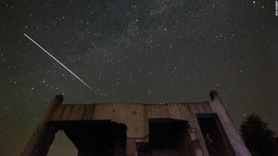 Chùm ảnh: Ngắm mưa sao băng Perseid đêm 12/8 từ khắp nơi trên thế giới 5