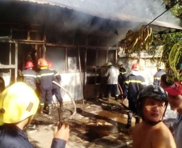 Cháy lớn tại một trường tiểu học ở TP HCM 1