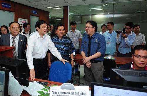 Chủ tịch nước Trương Tấn Sang thăm báo Đời sống và Pháp luật 3