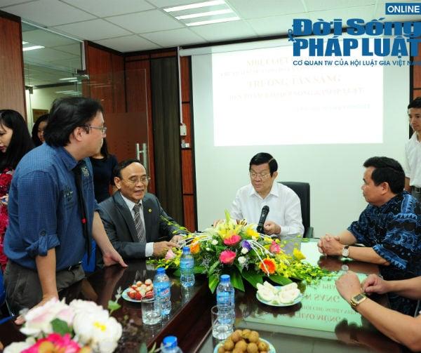 Chủ tịch nước Trương Tấn Sang thăm báo Đời sống và Pháp luật 4