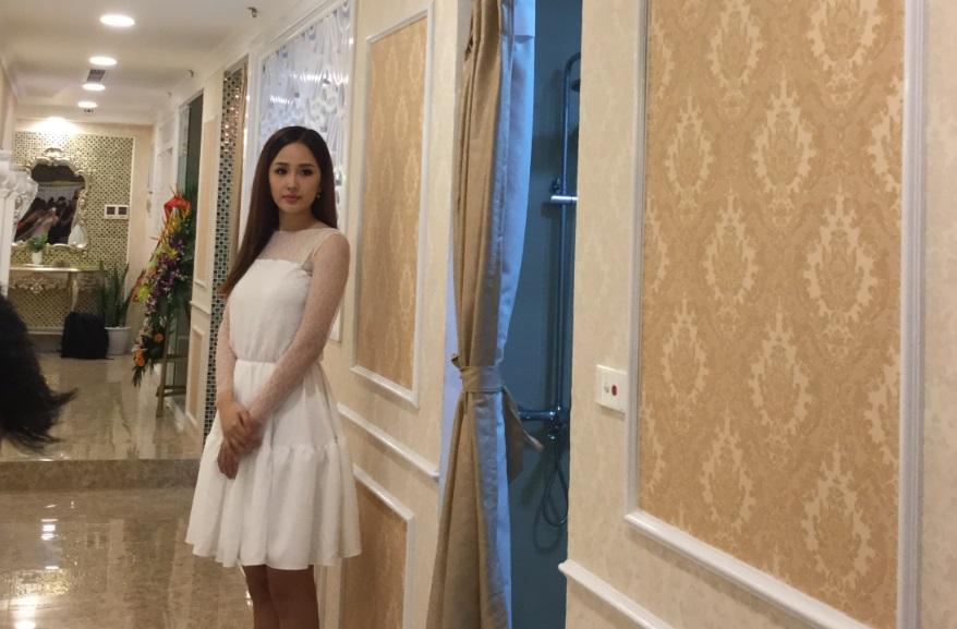 Mai Phương Thúy khoe em gái xinh như hot girl trong sự kiện 6