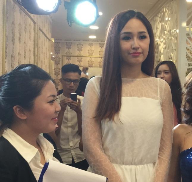 Mai Phương Thúy khoe em gái xinh như hot girl trong sự kiện 7